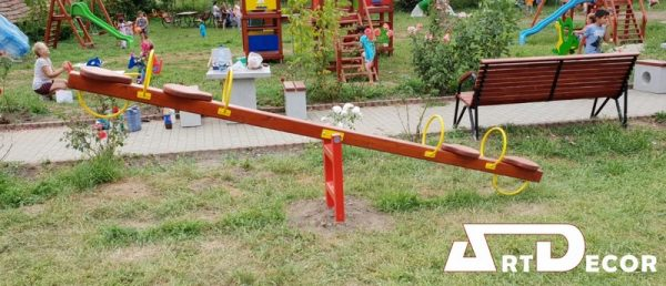 Balansoar din lemn patru locuri