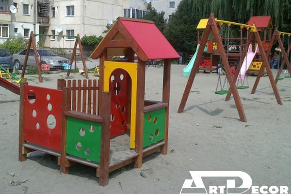 Echipament de joaca-Casuta pentru copii