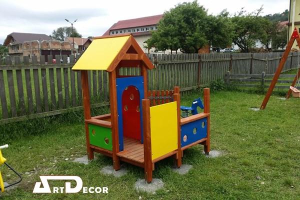 Casuta pentru copii din lemn
