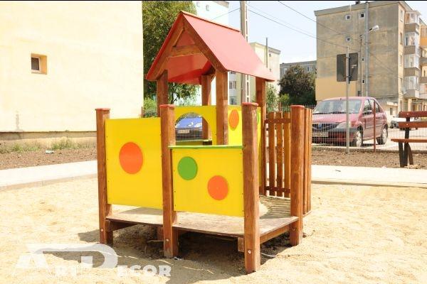 Casuta din lemn-Echipamente pentru Parcuri