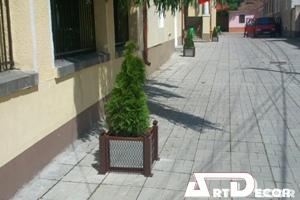Mobilier urban -Jardiniera metalica