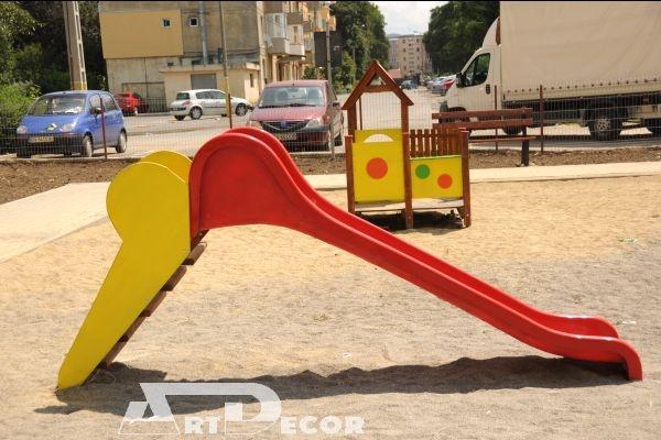 Echipamente de joaca pentru parcuri-Casuta pentru joaca