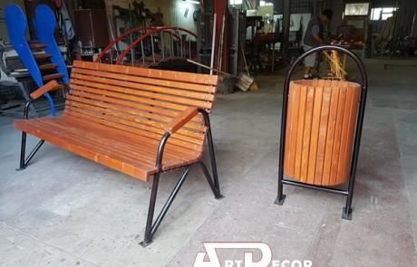 Banca si cos din lemn