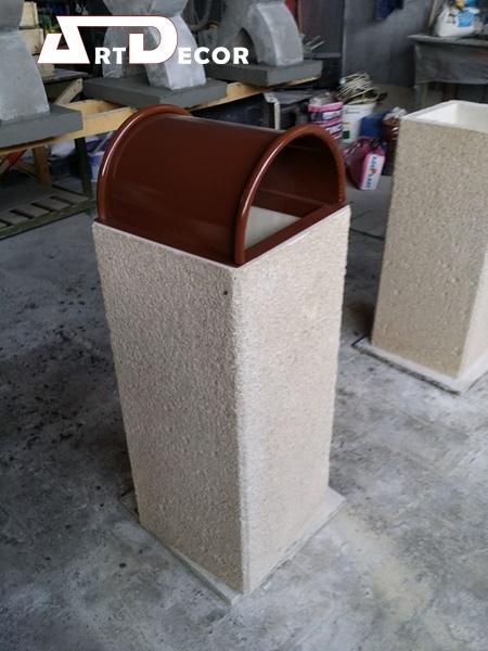 Cos de gunoi din beton armat
