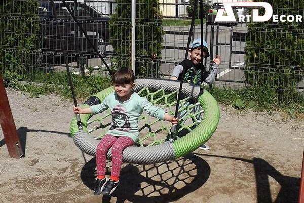 Leagan cuib -Spatii de joaca copii