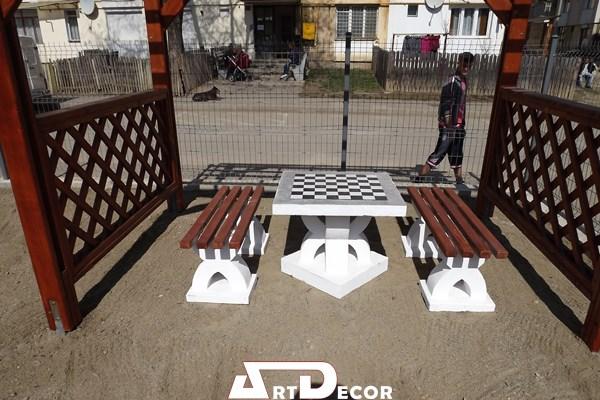 Masa cu mozaic pentru jocul de sah