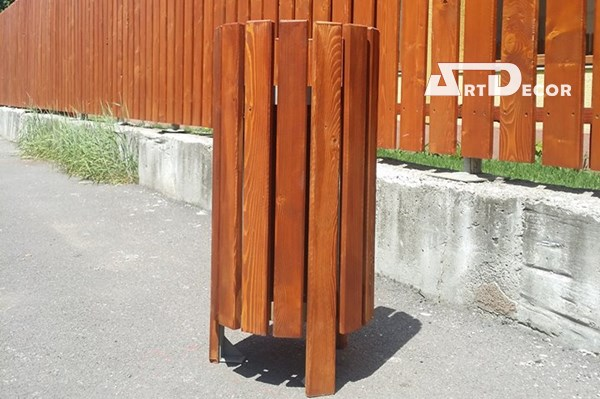 Cos de gunoi rotund din lemn