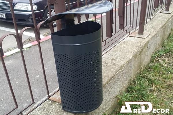 Cos de gunoi pentru stalp